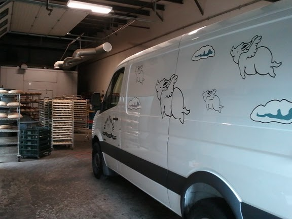 Vinyl lettering for delivery van in York ME